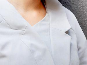 6. Veste à col intégré